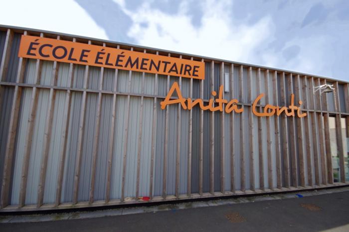 Bâtiment tertiaire bois à La Ferrière Arcadial Production charpentier fabricant de bâtiments ossature bois