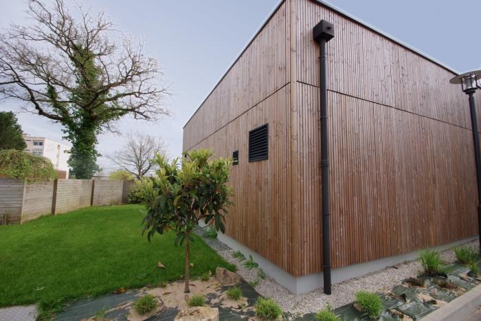 Bâtiment tertiaire lycée nature à La Roche sur Yon Arcadial Production charpentier fabricant de bâtiments ossature bois