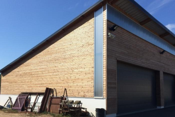 Bâtiment tertiaire à Givrand Arcadial Production charpentier fabricant de bâtiments ossature bois